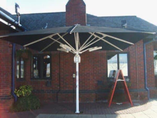 harcosun-terrasverwarming-parasolmontage
